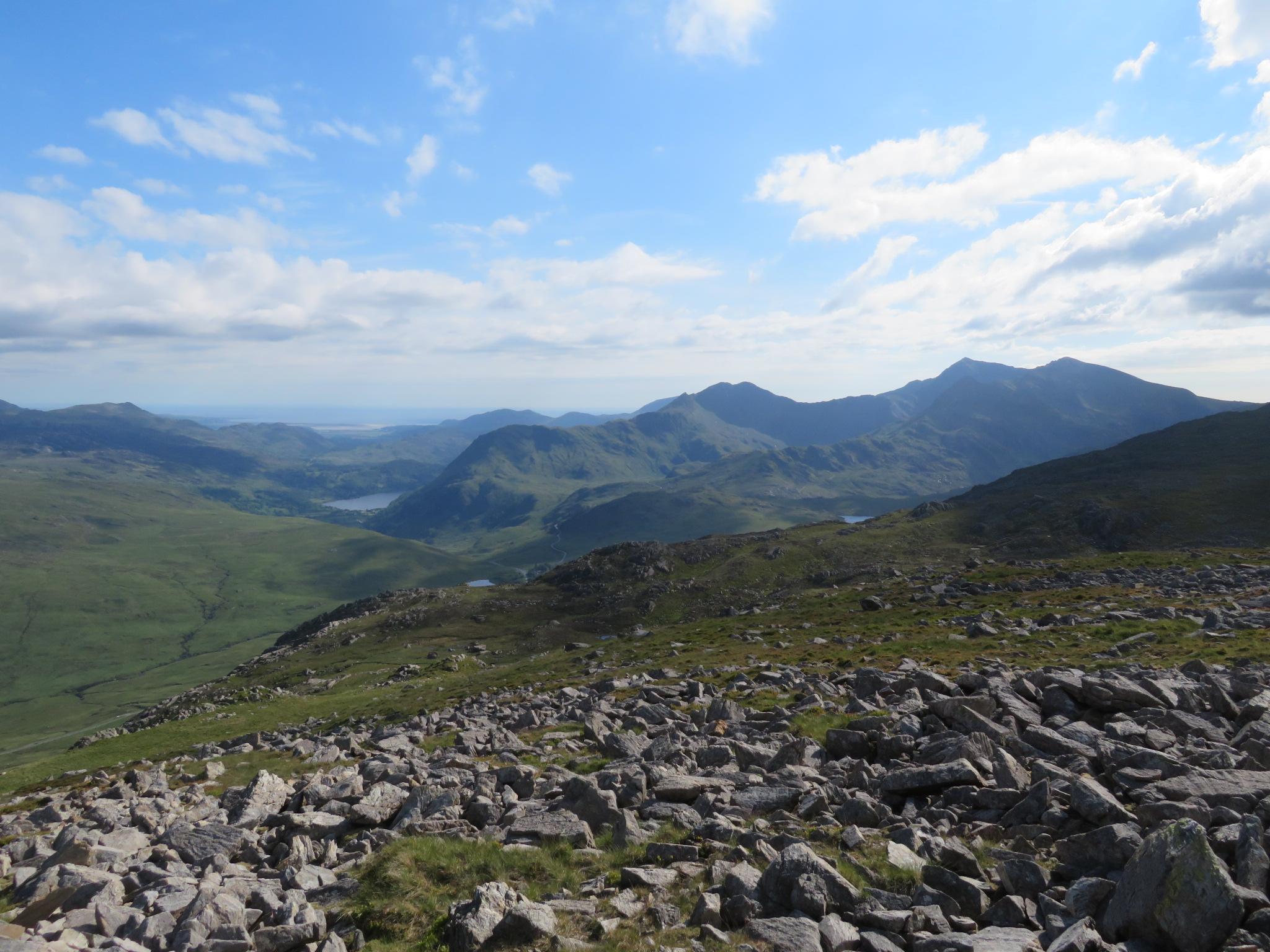 United Kingdom Wales Snowdonia, Snowdon Horseshoe, LLiwedd, Snowdon, Crib Goch below right, from Y Foel Goch near Glyder Fach, Walkopedia