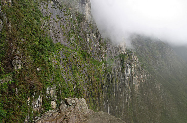 Machu Picchu - © From Flickr user Emmanuel Dyan