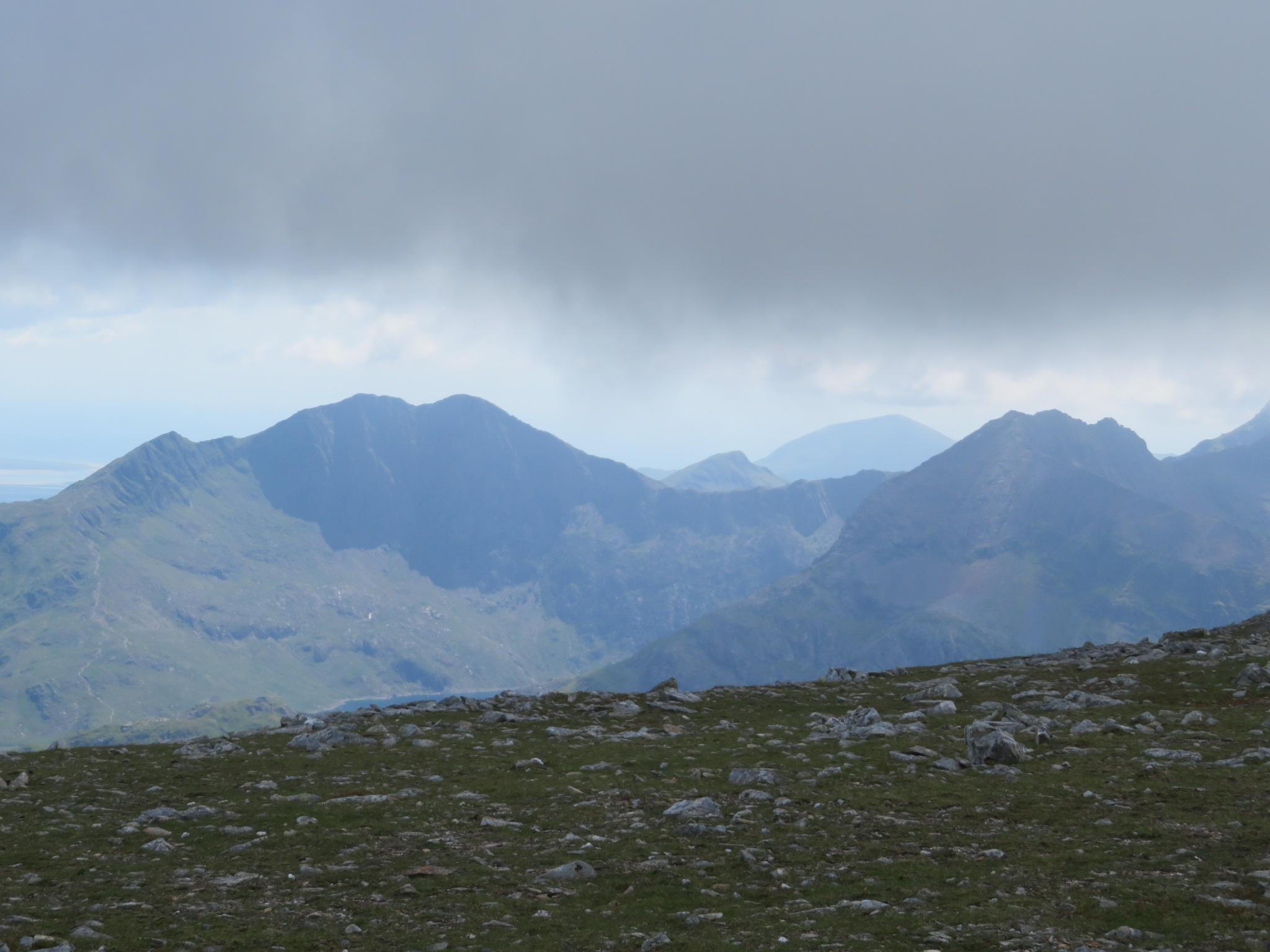 United Kingdom Wales Snowdonia, Glyderau from Pen-y-Pass, LLiwedd, Snowdon, Crib Goch below right, from Glyder Fawr, Walkopedia