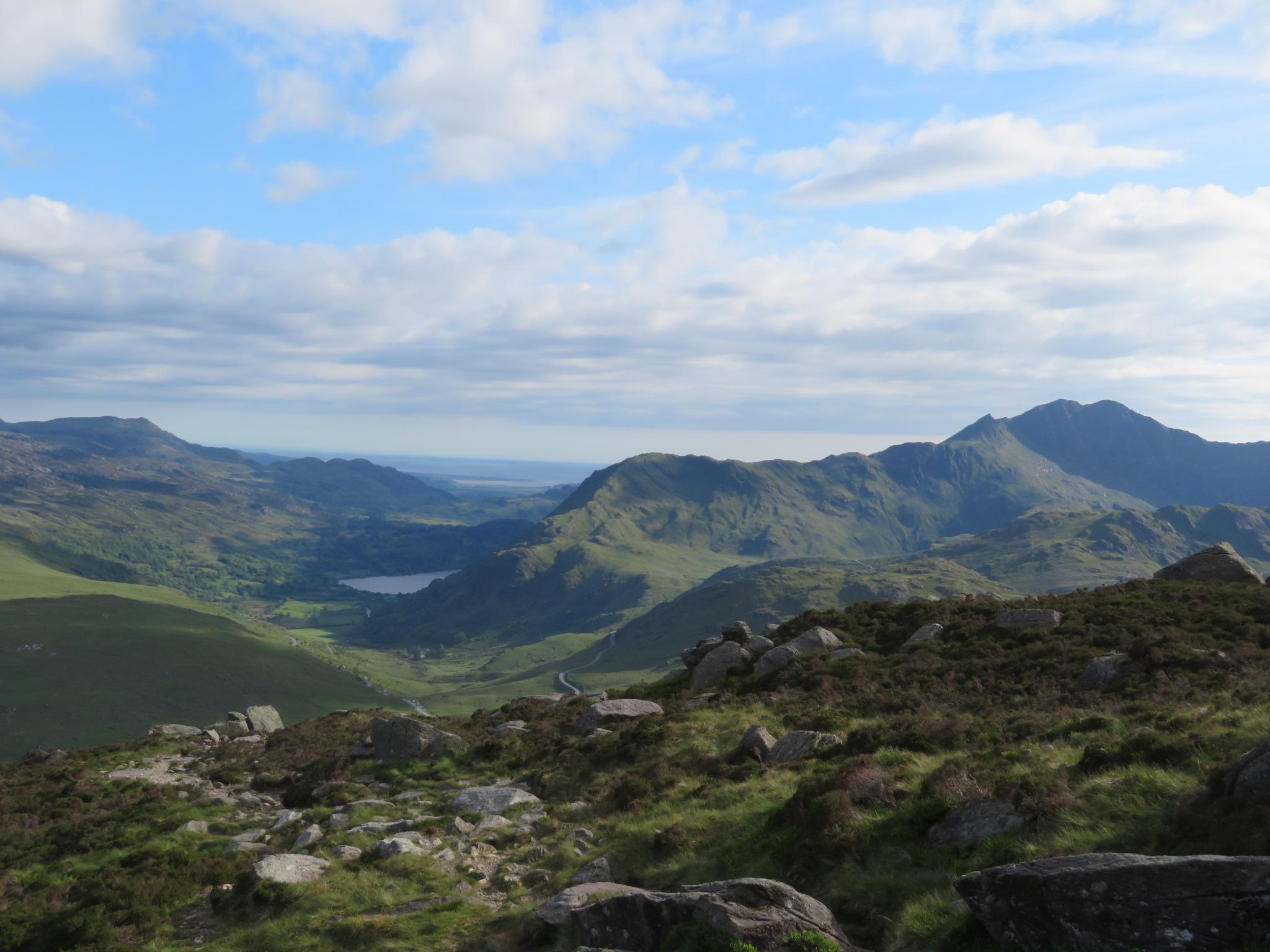 United Kingdom Wales Snowdonia, Glyderau from Pen-y-Pass, LLiwedd, Snowdon, Crib Goch below right, from Y Foel Goch near Glyder Fach, Walkopedia