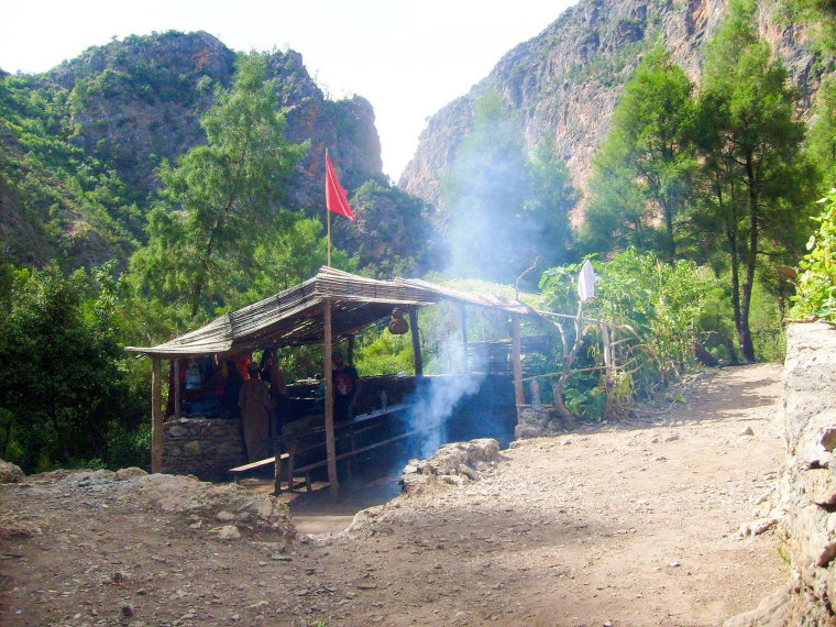 Akchour_Camp  - © wiki user Jodal Rachid