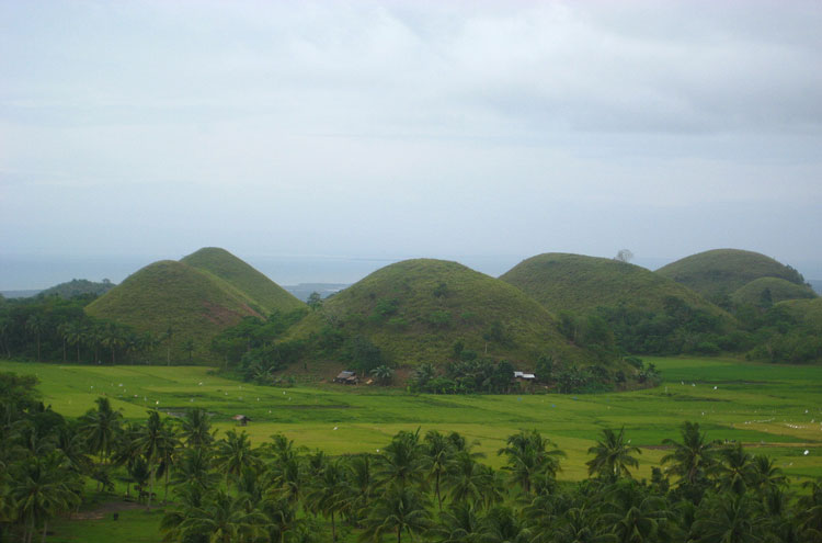Chocolate Hills - © By Flickr user ericlucky290
