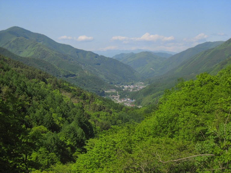 Nakasendo Way: A view over Narai - © Walk Japan