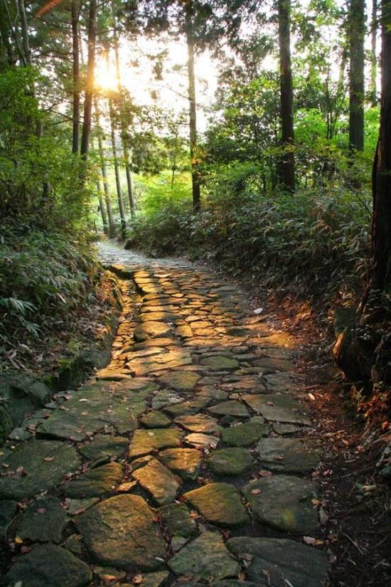 Nakasendo Way: Ishidatami (stone-paved road) near Magome - © Walk Japan