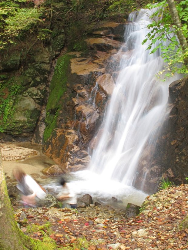 Nakasendo Way: Odaki waterfall, Kiso Valley - © Walk Japan