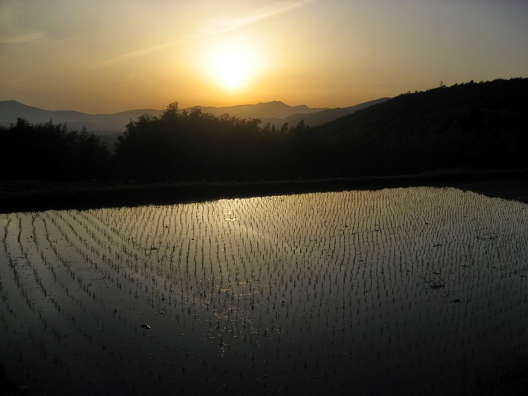 Sunset in Kiso valley - © Walk Japan