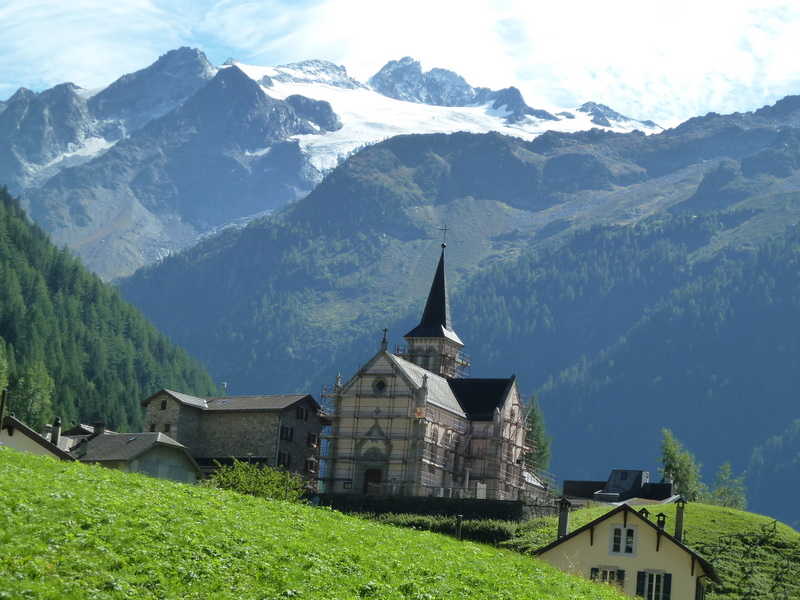 The church at Trient From the Relais du Mont Blanc - © Dick Everard