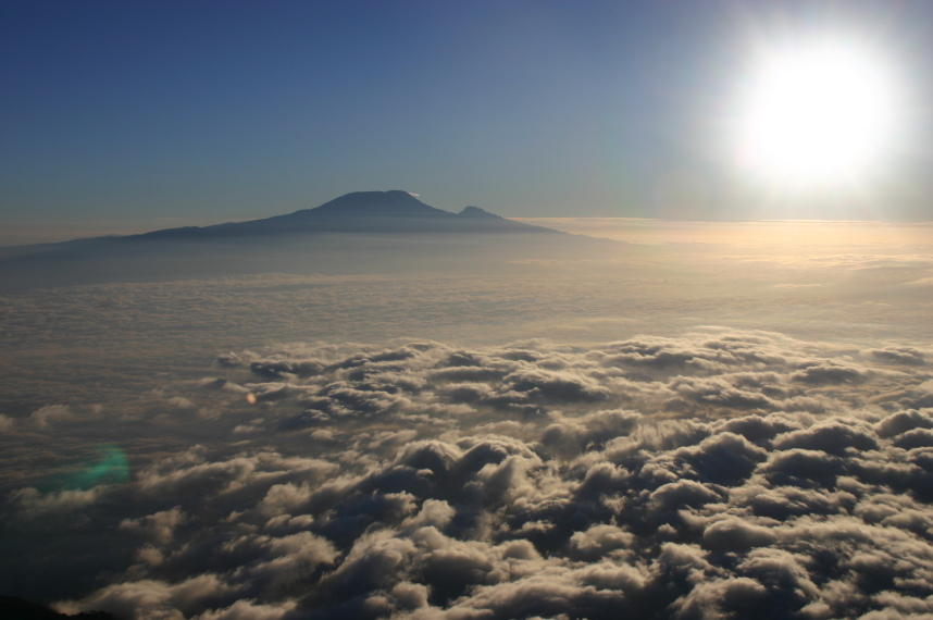 Mt Meru: Kili - © William Mackesy