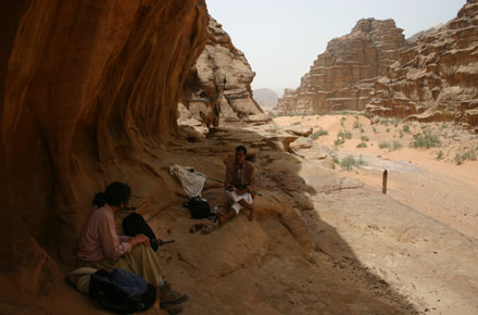 Wadi Rum - Gimme shelter, Siq Um Ishrin - © William Mackesy