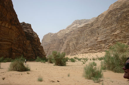 Wadi Rum - Siq Um Ishrin, the monstrous eastern wall - © William Mackesy