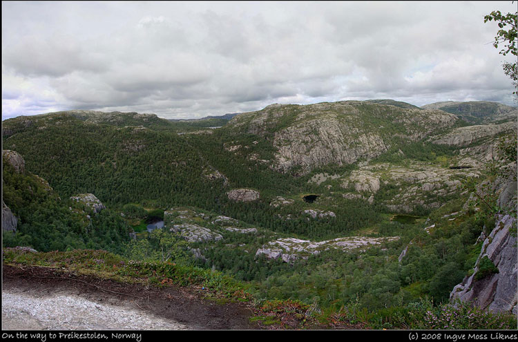 Preikestolen Panorama - © From Flickr user Iknes