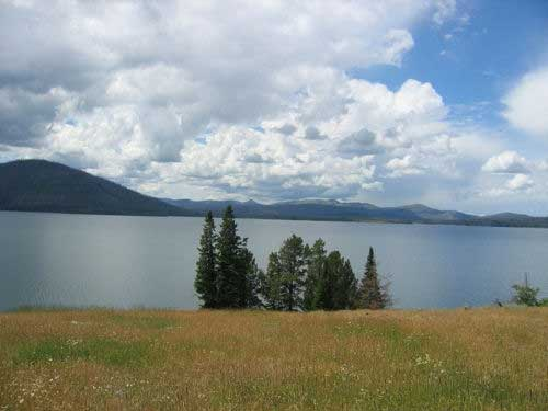 The Thorofare Trail - Yellowstone Lake From the Trail - © By Flickr User firehole