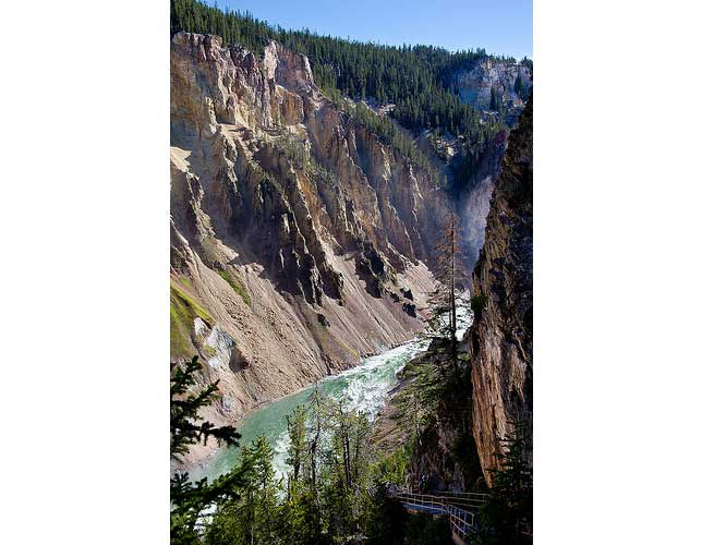 "Uncle Tom""s Trail - Yellowstone River, in the Yellowstone Grand Canyon - © By Flickr User alh1"