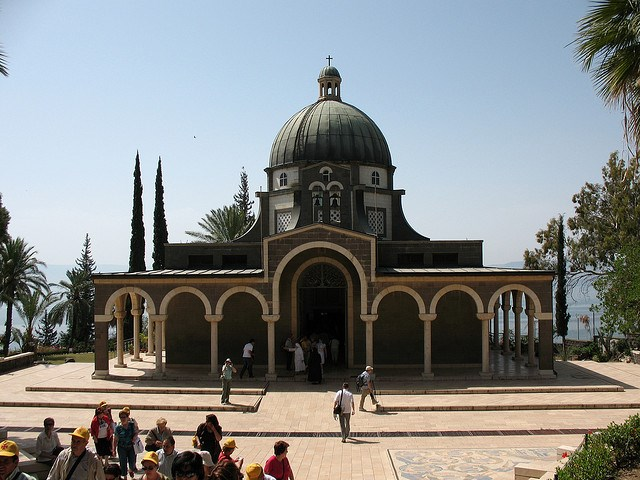 Jesus Trail: Jesus Trail - Catholic chapel on Mount Beatitudes - © Copyright Flickr user hoyasmeg
