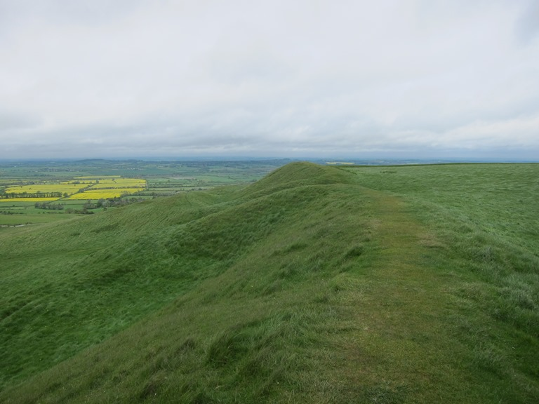 The Ridgeway: Uffington Castle - © William Mackesy