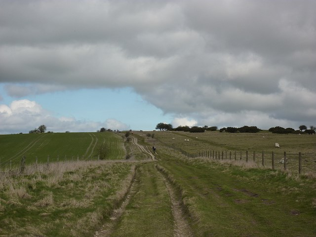 The Ridgeway: setting off - © Copyright Flickr user Bods