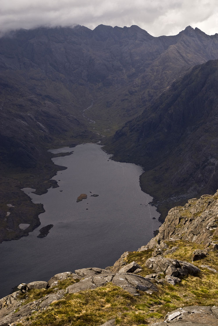 Black Cuillin Ridge, Skye: Loch Coriusk and the Black Cuillin Ridge - © By Flickr user keepwaddling1