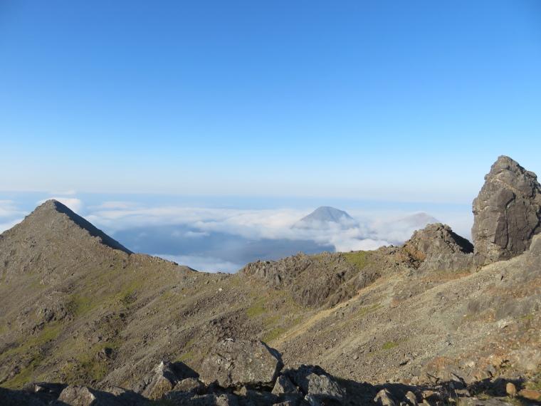 United Kingdom Scotland Isles Skye, Black Cuillin Ridge, Northeast from Bruach na Frithe, Walkopedia