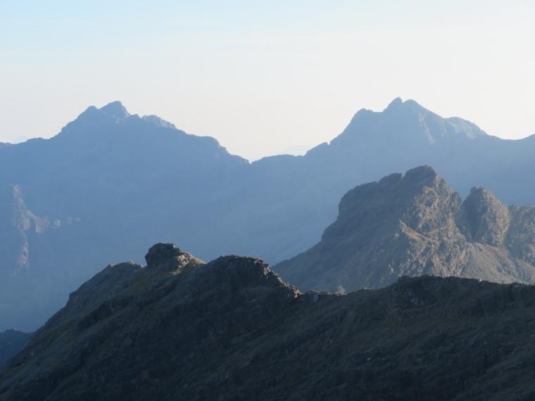 United Kingdom Scotland Isles Skye, Black Cuillin Ridge, Southern Black Cuillin summits from Bruach na Frithe, Walkopedia
