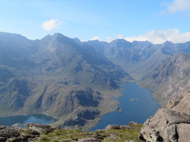 United Kingdom Scotland Isles Skye, Black Cuillin Ridge, Loch Coruisk, bay and Black Cuillin Ridge from Sgurr na Stri ridge, Walkopedia