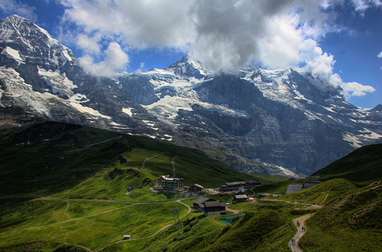 Kleine Scheideg - © By Flickr user Ed_Coyle_Photography
