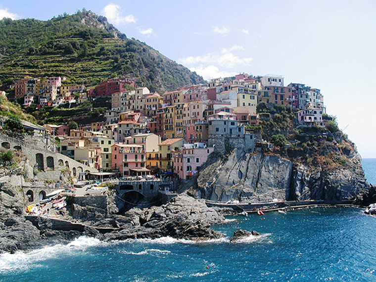 Cinque Terre - Manarola - © By Flickr User Rob Inh00d