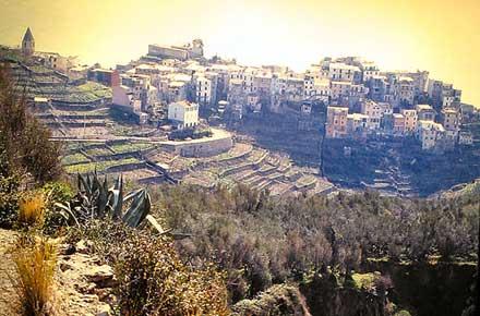 Cinque Terre -  Corniglia - © By Flickr User pizzodisevo