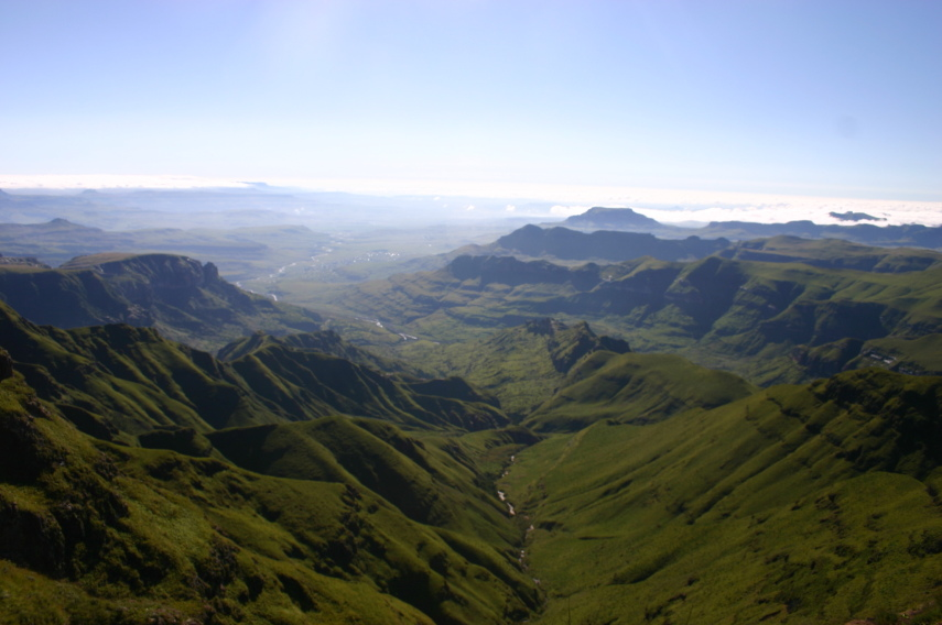 South Africa Drakensberg, North Drakensberg Traverse, From near the Sentinel, Walkopedia