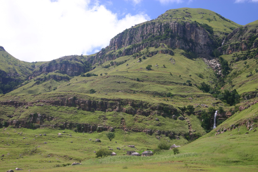South Africa Drakensberg, North Drakensberg Traverse, Little Berg kraal, Walkopedia