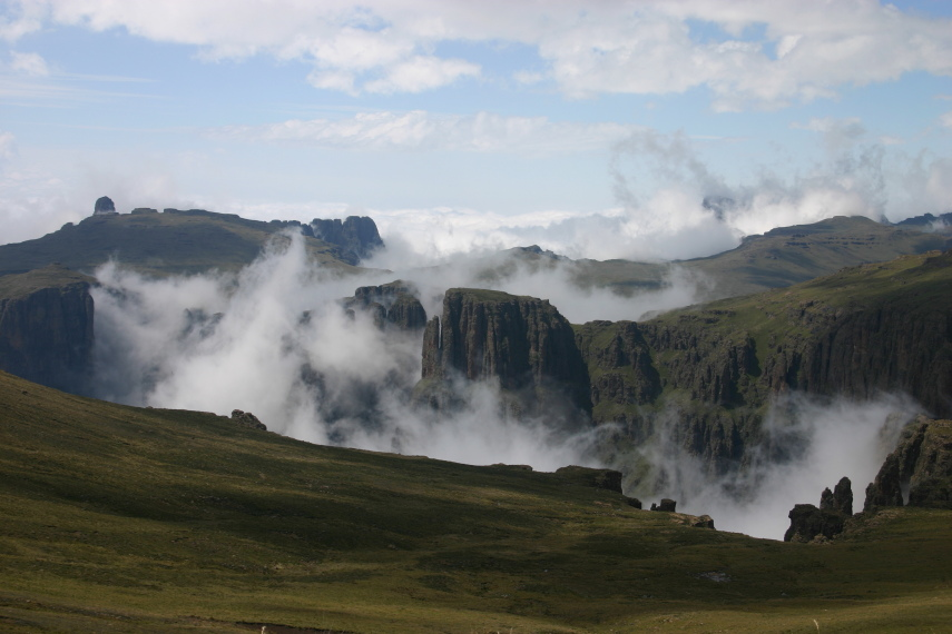 South Africa Drakensberg, North Drakensberg Traverse, Mnweni Cutback, Walkopedia