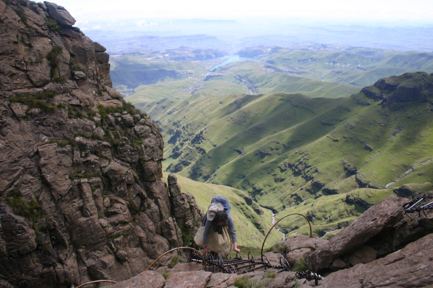 South Africa Drakensberg, North Drakensberg Traverse, The famous chain ladder, Walkopedia