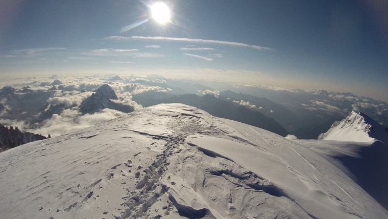 Mont Blanc Top - © Robin Bevan