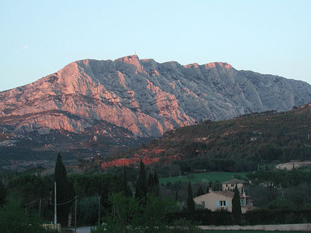Montagne Sainte Victoire Sunset - © From Flickr, by Mojobaer