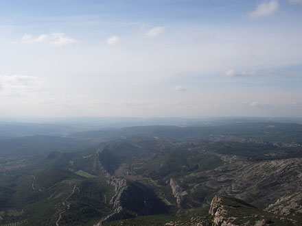 Montagne Sainte Victoire View Over Aix - © From Flickr, by AndrewJohnMitchell