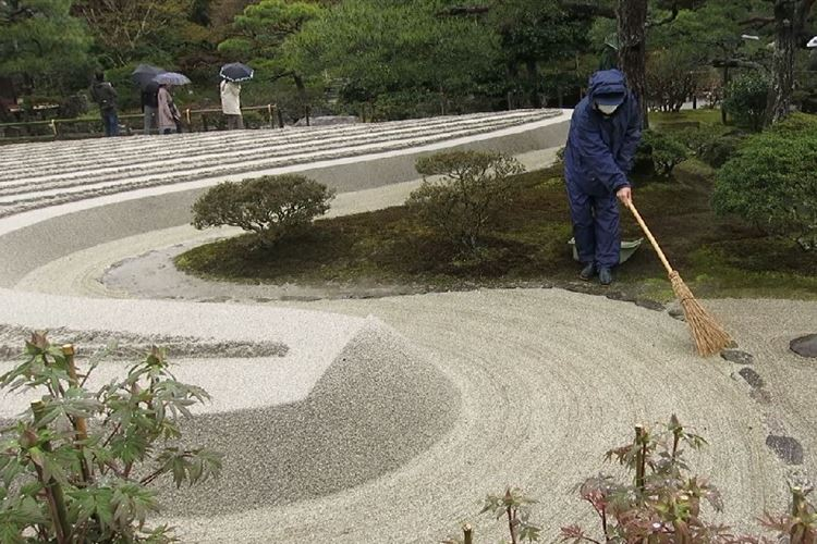 Daimonji-yama and Philosopher's Path, Kyoto: Zen Garden
