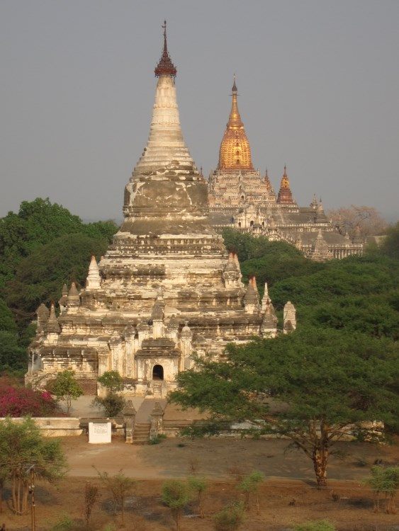 Myanmar, Bagan, Bagan - Ananda behind, Walkopedia