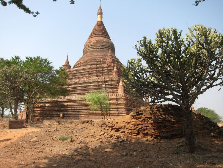 Bagan - Mingala zedi - © Copyright William Mackesy