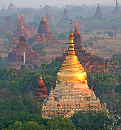 Bagan -  - ©Copyright Flickr user jmhullot...