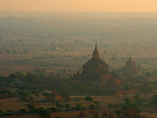 Bagan -  - © Copyright - Flickr user jmhullot