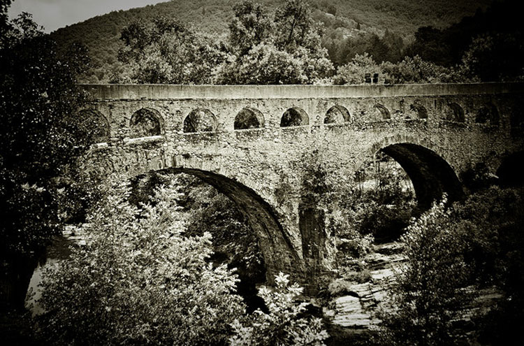 Roman Aqueduct near Florac - © Flickr user tibchris