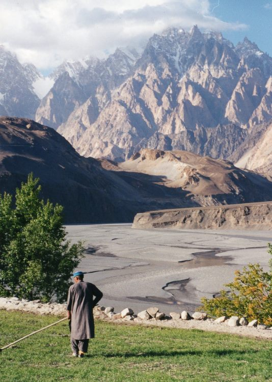 Hussaini to Zarabad - North across Hunza River From Hussaini - © Copyright William Mackesy