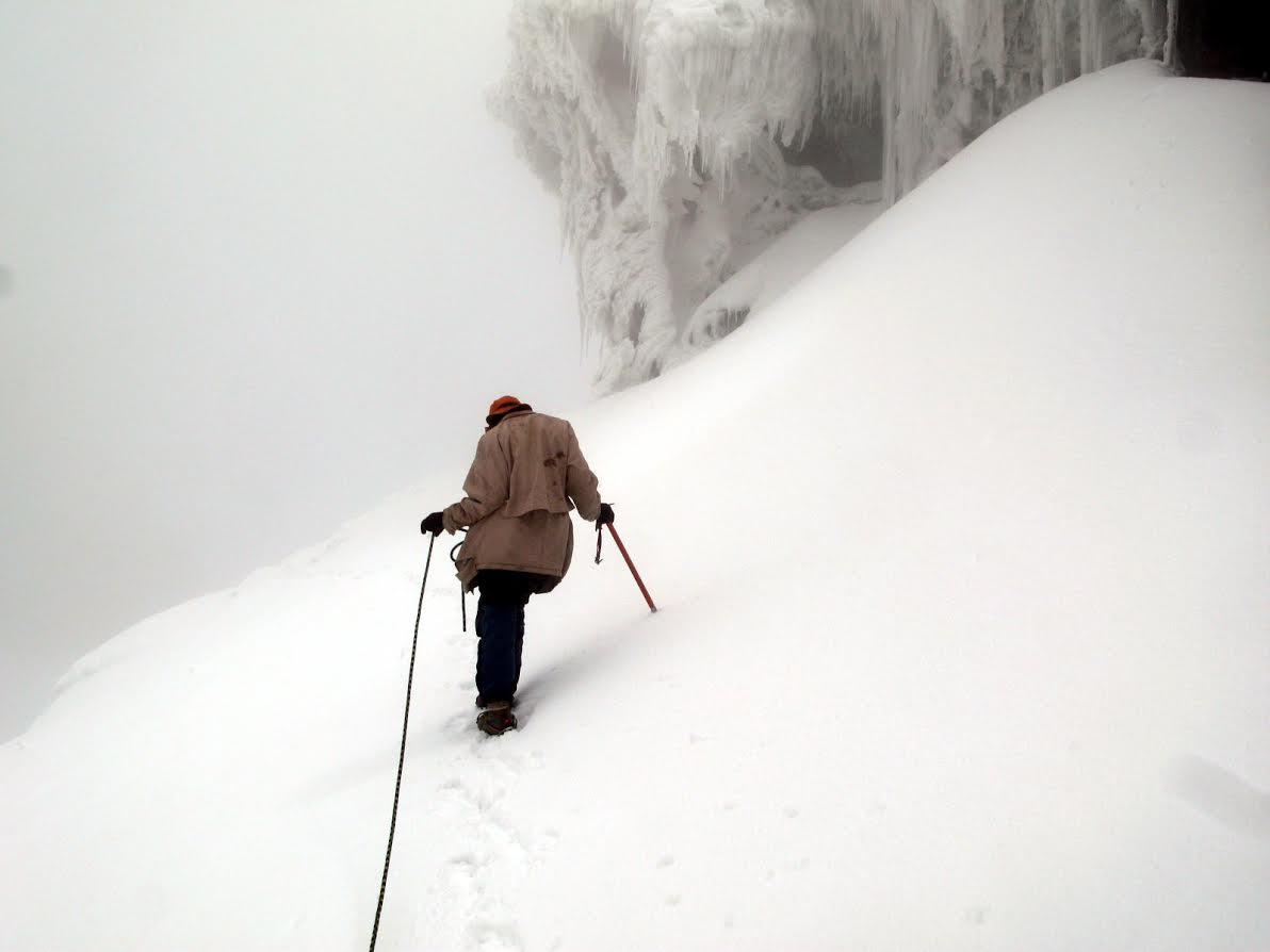 Descending past ice falls - © Charles Bookman