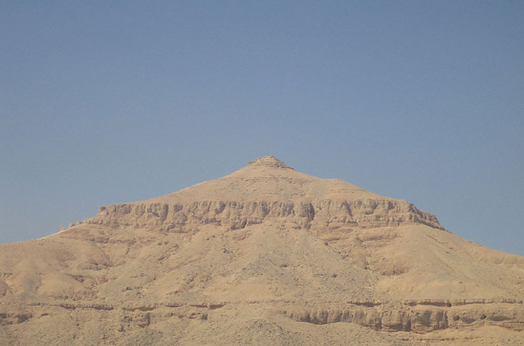 Egypt, To the Valley of the Kings, Pyramid Mountain, Valley of the Kings - © From Flickr user Joanne_and_Matt, Walkopedia