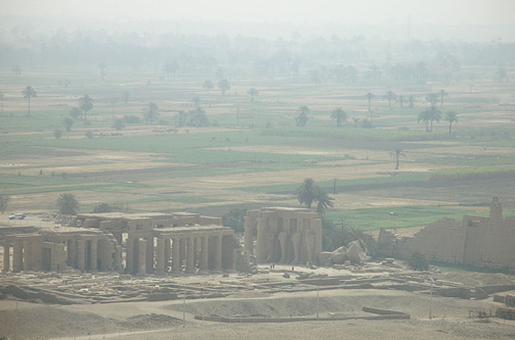 Egypt, To the Valley of the Kings, The Ramesseum - © From FLickr user Argenberg, Walkopedia