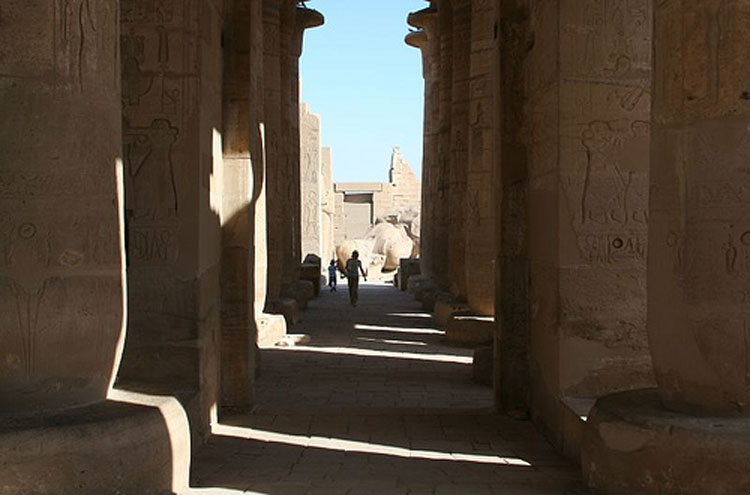 Egypt, To the Valley of the Kings, The Ramesseum - © From Flickr user NinaHale, Walkopedia