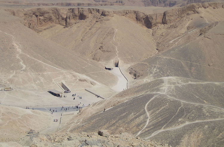 Valley of the Kings From above - © From Flickr user Joanne_and_Matt