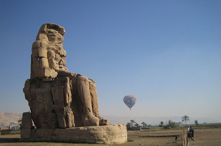 Egypt, To the Valley of the Kings, Colossi of Memnon - © From Flickr user Joanne_and_Matt, Walkopedia