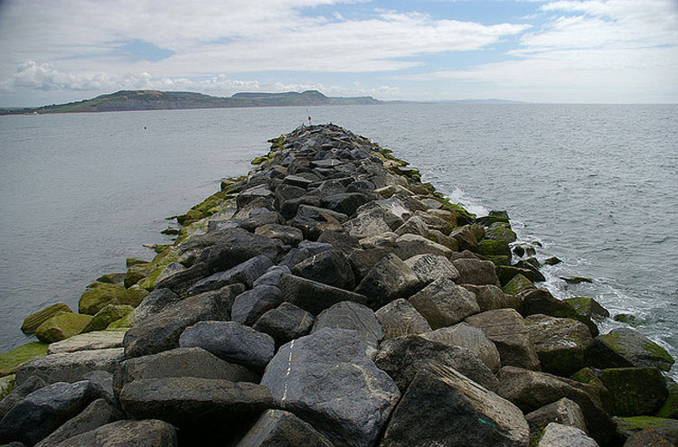 Lyme Regis sea wall - © from Flickr user Whipper_Snapper
