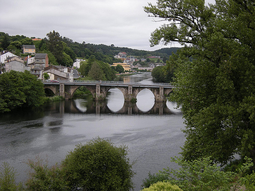 Camino del Norte (Camino de Santiago alternative route): Bridge, Lugo - © By Flickr user Freecat