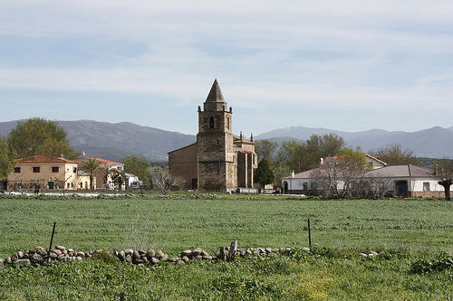 Church, Caceres Province - © By Flickr user Cotallo-Nonocot